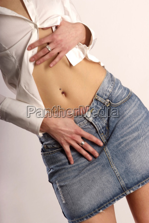 belly with piercing