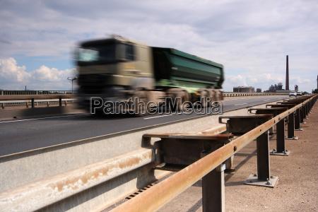 trafego trafego rodoviario transporte caminhao estrada