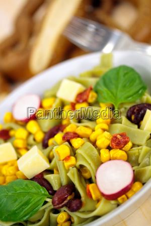talharim vegetal milho salada quotspinat nudelnquot