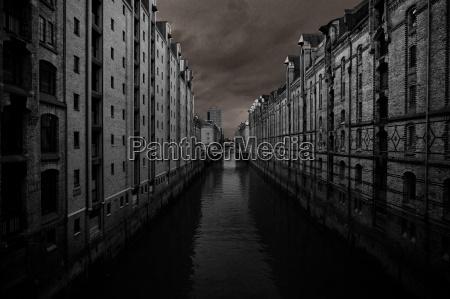 cidade hamburgo escuro ameacador porto agua