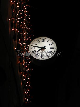 worms eye night nighttime lighted clock