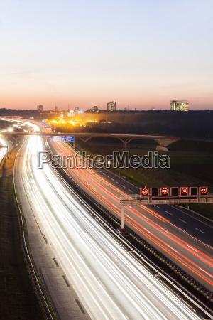 passeio viajar cidade trafego ponte carro